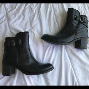 Vintage Black Buckle Sketchers Boots